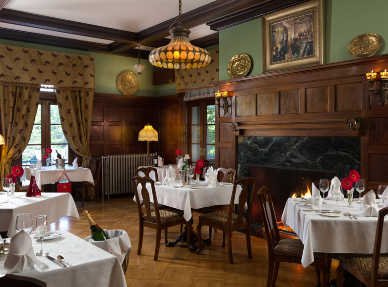 Photo of dining room at Mercersburg Inn