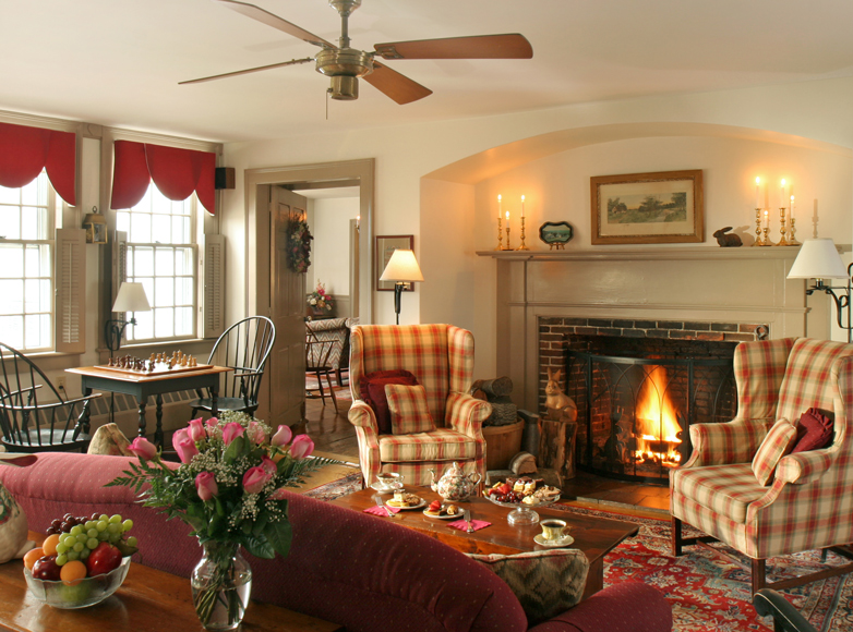 Photo of living room at VT Inn for sale