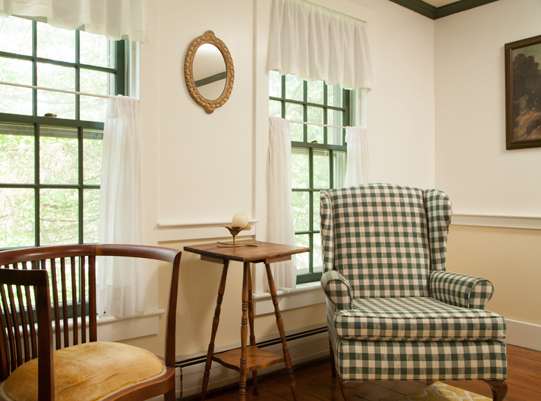 Photo of sitting area at Vermont Inn