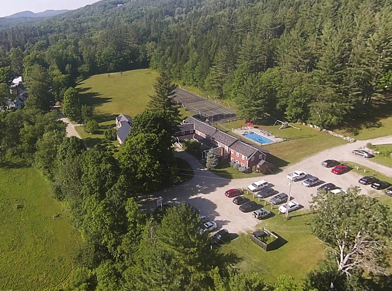 Aerial photo of Landgrove Inn and grounds